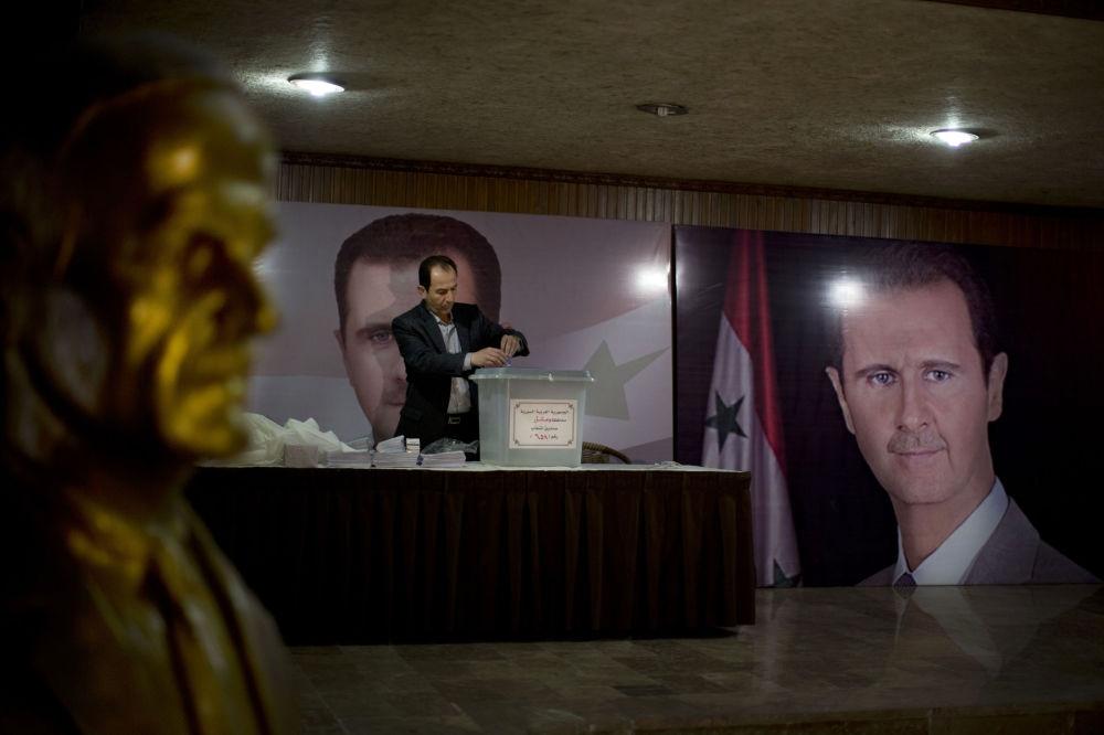 Suriye halkı sandık başında galerisi resim 2