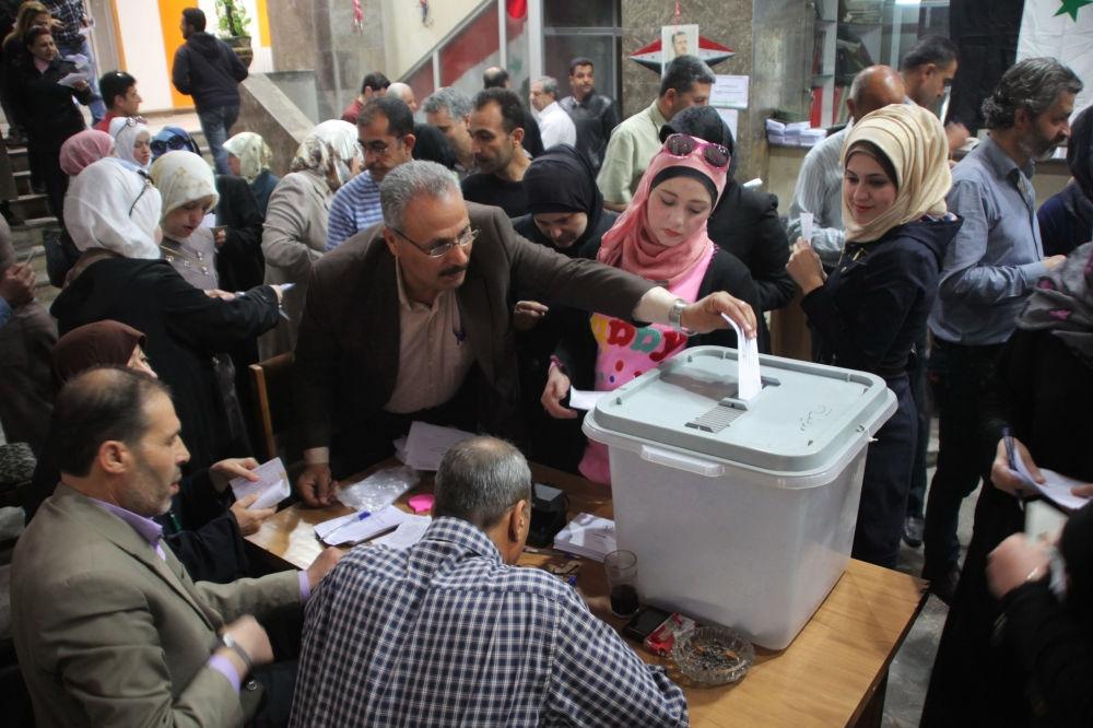 Suriye halkı sandık başında galerisi resim 3