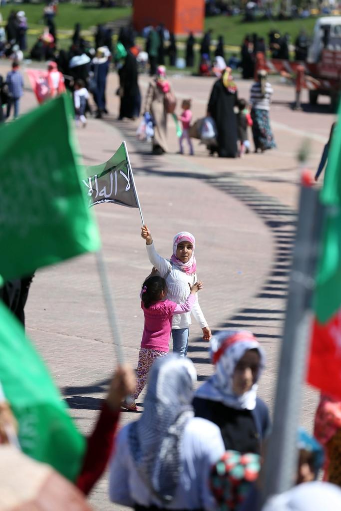 Müslüman Kürtlerin yüreğinden imanı silemezsiniz! galerisi resim 24