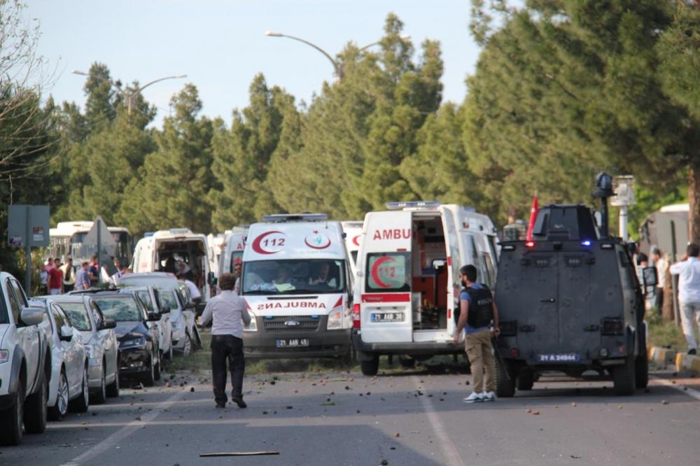 Diyarbakır'da büyük patlama oldu galerisi resim 1