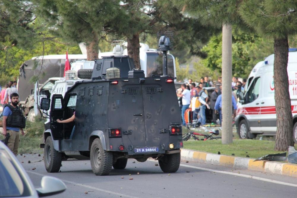 Diyarbakır'da büyük patlama oldu galerisi resim 13