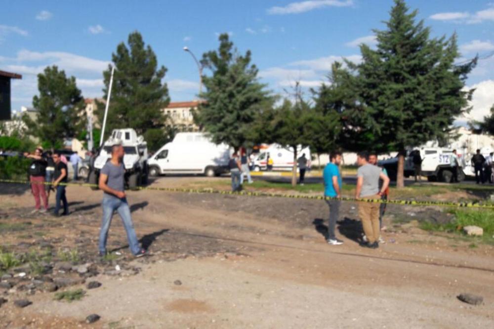 Diyarbakır'da büyük patlama oldu galerisi resim 14