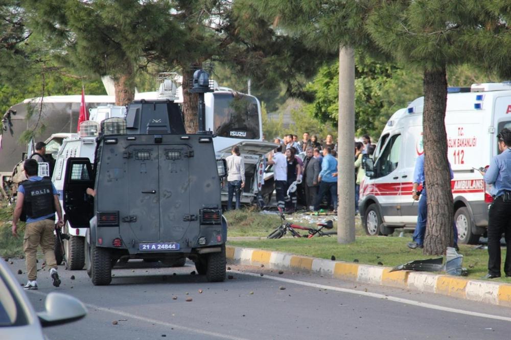 Diyarbakır'da büyük patlama oldu galerisi resim 18