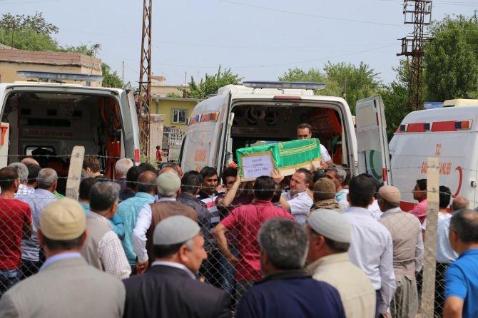 PKK'nın katlettiği 13 kişinin cenazesi Tanışık köyünde galerisi resim 2