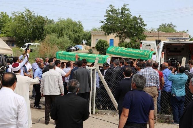 PKK'nın katlettiği 13 kişinin cenazesi Tanışık köyünde galerisi resim 3