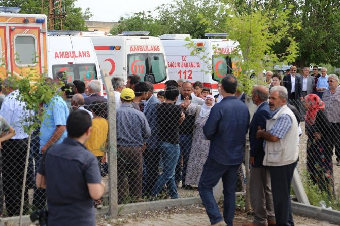PKK'nın katlettiği 13 kişinin cenazesi Tanışık köyünde galerisi resim 6
