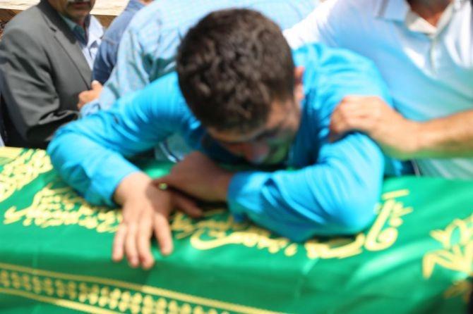 PKK'nın katlettiği 13 kişinin cenazesi Tanışık köyünde galerisi resim 7