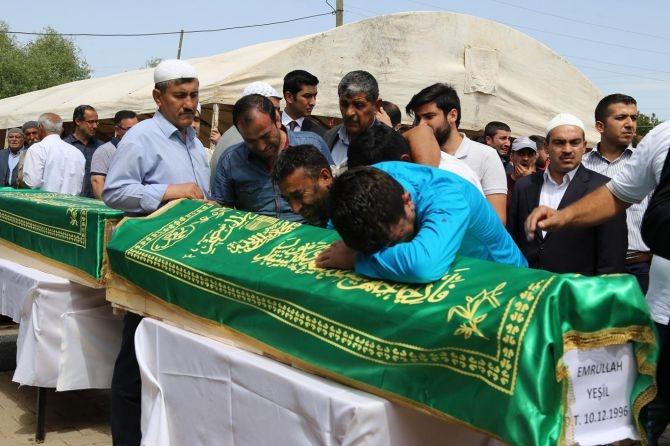 PKK'nın katlettiği 13 kişinin cenazesi Tanışık köyünde galerisi resim 8