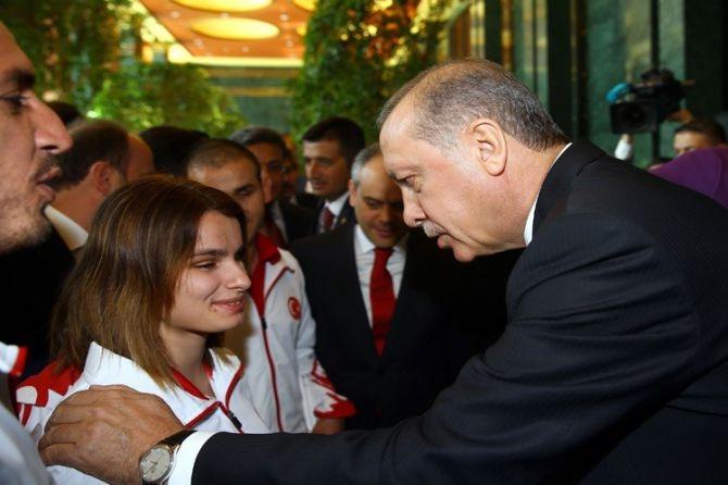 Cumhurbaşkanı Erdoğan gençleri ağırladı galerisi resim 14