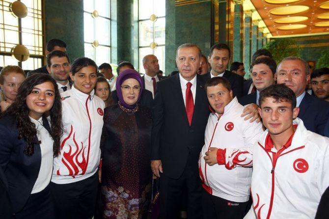 Cumhurbaşkanı Erdoğan gençleri ağırladı galerisi resim 18