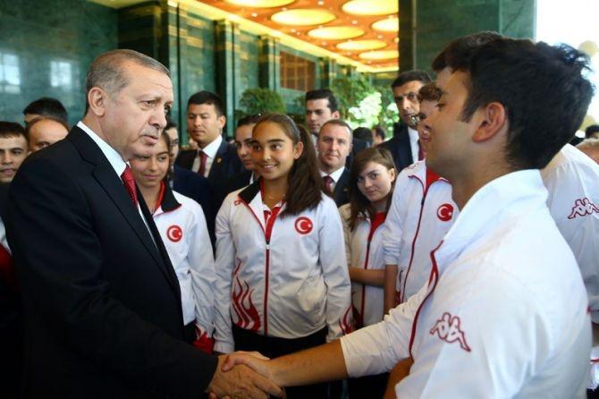 Cumhurbaşkanı Erdoğan gençleri ağırladı galerisi resim 19