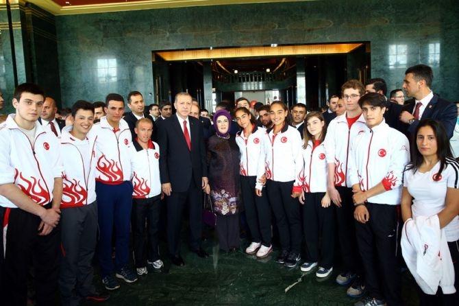 Cumhurbaşkanı Erdoğan gençleri ağırladı galerisi resim 20