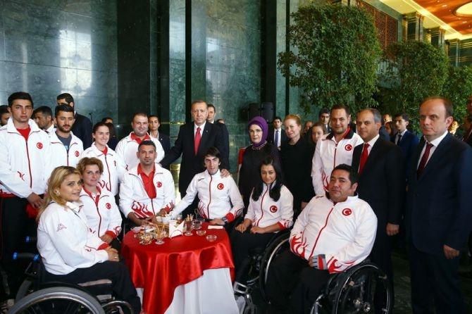 Cumhurbaşkanı Erdoğan gençleri ağırladı galerisi resim 22
