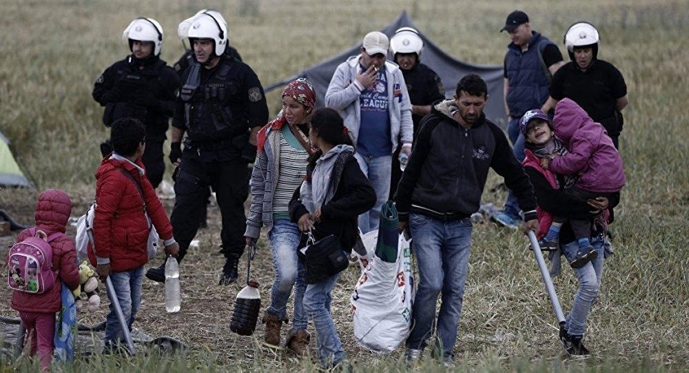 Yunanistan'ın Makedonya sınırındaki İdomeni kampı boşaltılıyor galerisi resim 3
