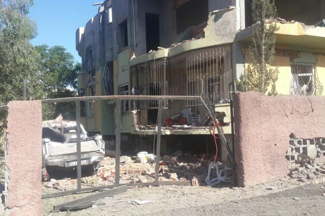 Silopi'deki patlamanın tahribatı ortaya çıktı galerisi resim 4