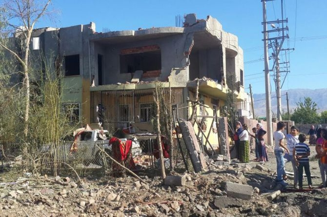 Silopi'deki patlamanın tahribatı ortaya çıktı galerisi resim 5