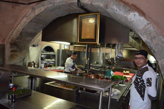 810 Yıllık Tarihi Sultan Hamamı Restoran olarak hizmet veriyor galerisi resim 12
