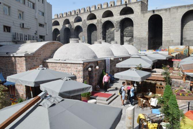 810 Yıllık Tarihi Sultan Hamamı Restoran olarak hizmet veriyor galerisi resim 23