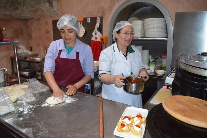 810 Yıllık Tarihi Sultan Hamamı Restoran olarak hizmet veriyor galerisi resim 9