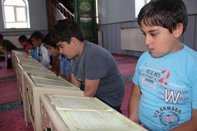 Camiler çocuklarla cıvıl cıvıl galerisi resim 2
