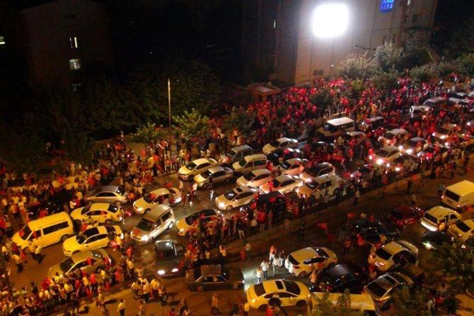 Darbe karşıtı gösteriler sabaha kadar devam etti galerisi resim 47