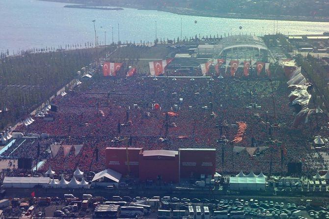 Cumhurbaşkanı Erdoğan Yenikapı'da 5 milyona seslendi galerisi resim 17