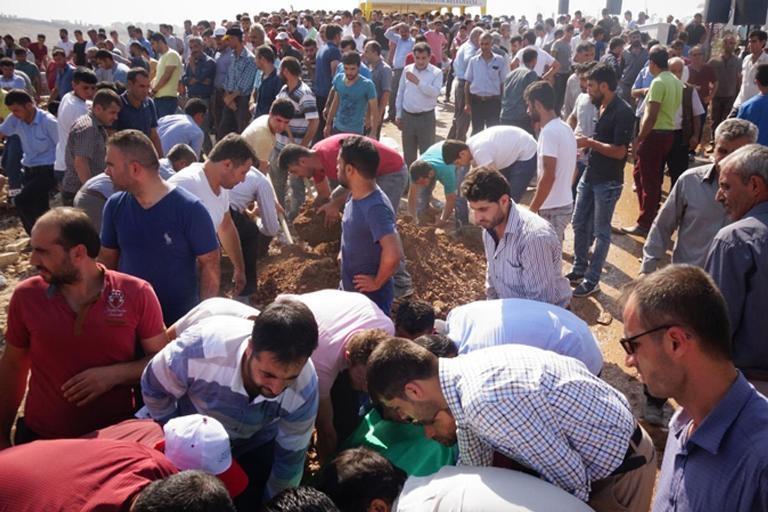 HDP'lilerden cenazede provokasyon girişimi galerisi resim 1