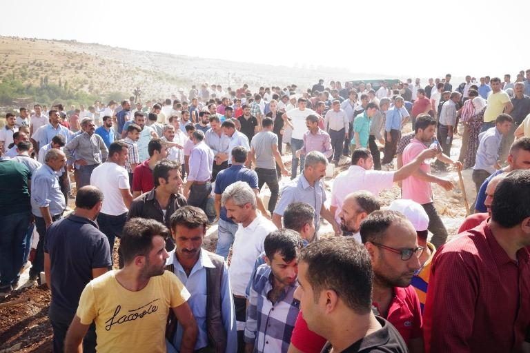 HDP'lilerden cenazede provokasyon girişimi galerisi resim 2