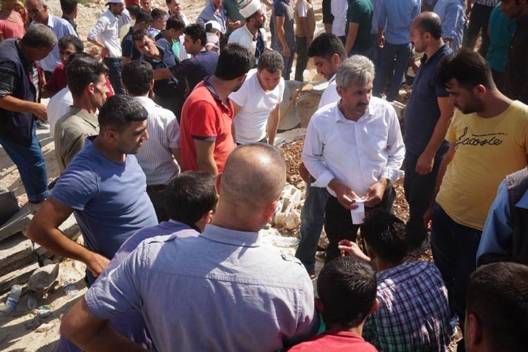 HDP'lilerden cenazede provokasyon girişimi galerisi resim 4