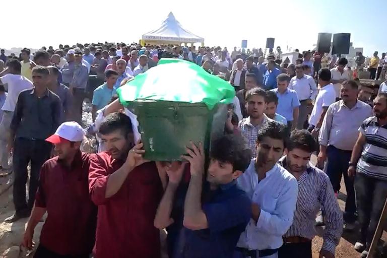 HDP'lilerden cenazede provokasyon girişimi galerisi resim 5