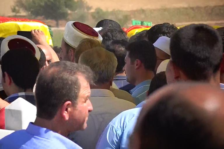 HDP'lilerden cenazede provokasyon girişimi galerisi resim 6