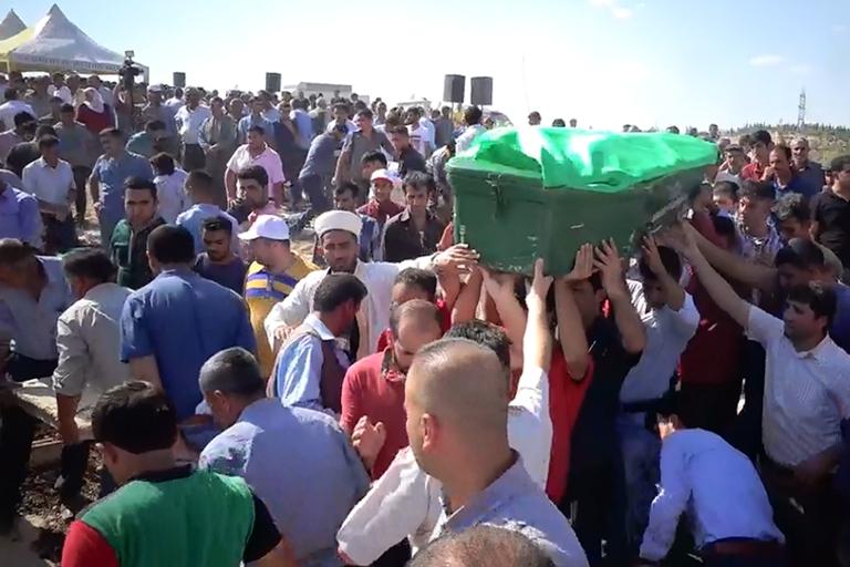 HDP'lilerden cenazede provokasyon girişimi galerisi resim 7