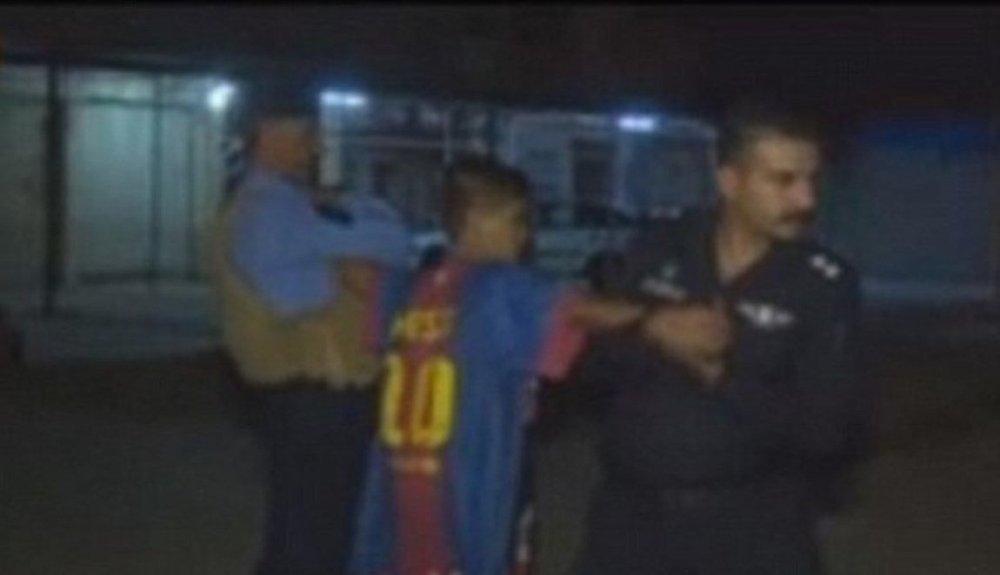 Üzerinde canlı bomba olan çocuk yakalandı galerisi resim 3
