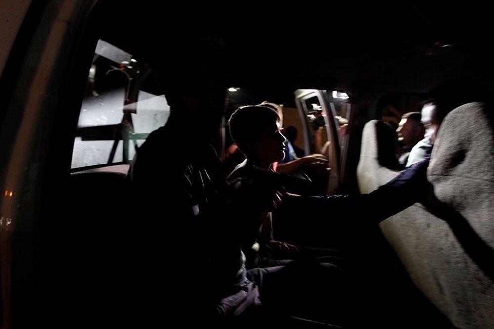 Üzerinde canlı bomba olan çocuk yakalandı galerisi resim 6