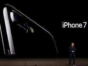 Apple iPhone 7'yi tanıttı