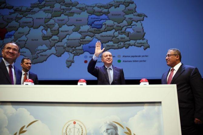 """Cumhurbaşkanı Erdoğan: """"15 Temmuz ilk darbe girişimleri değil!&quot galerisi resim 15"""