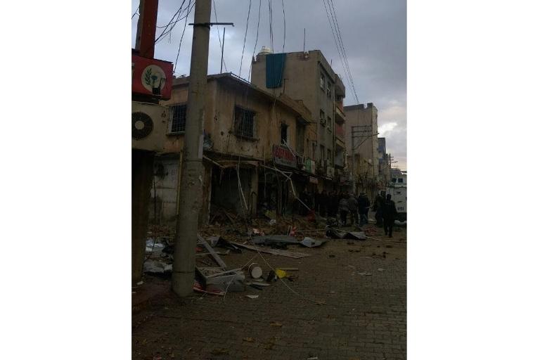 Mardin'de Polis aracına bombalı saldırı galerisi resim 2