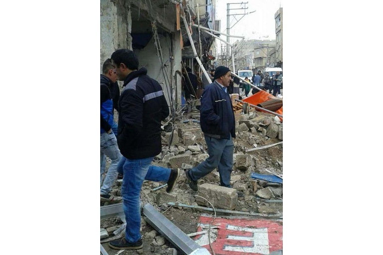 Mardin'de Polis aracına bombalı saldırı galerisi resim 5