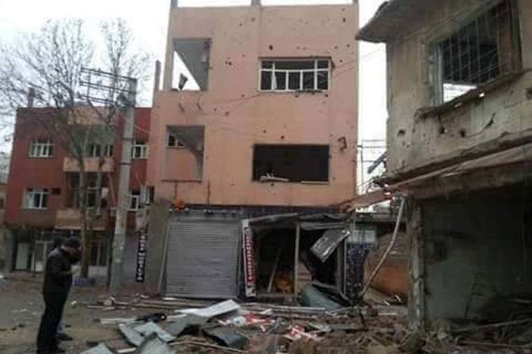 Mardin'de Polis aracına bombalı saldırı galerisi resim 7