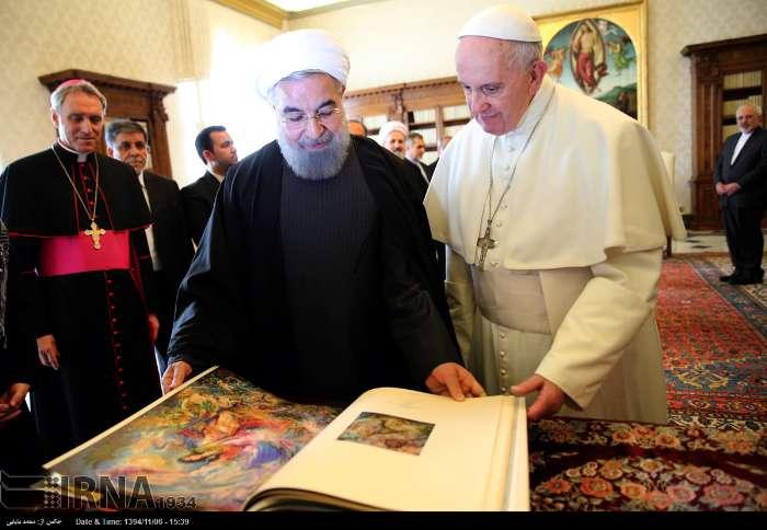 İran Cumhurbaşkanı Ruhanı ve Papa Francisus görüşmesinden kareler galerisi resim 23