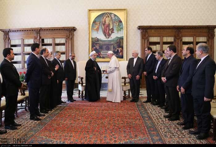 İran Cumhurbaşkanı Ruhanı ve Papa Francisus görüşmesinden kareler galerisi resim 7