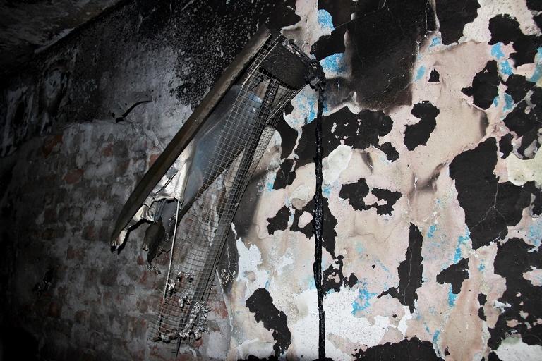 Sur'u terk etmek isteyen bir ailenin evi ateşe verildi galerisi resim 5