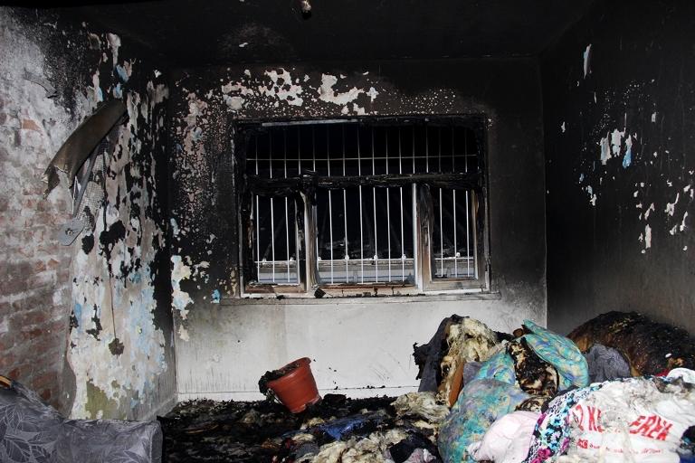 Sur'u terk etmek isteyen bir ailenin evi ateşe verildi galerisi resim 6