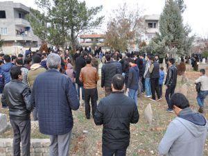 Hizbullah Rehberi kabri başında anıldı