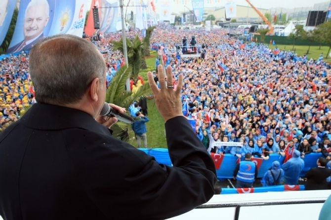 """Erdoğan: """"Biz sadece Allah'ın huzurunda eğildik"""" galerisi resim 13"""