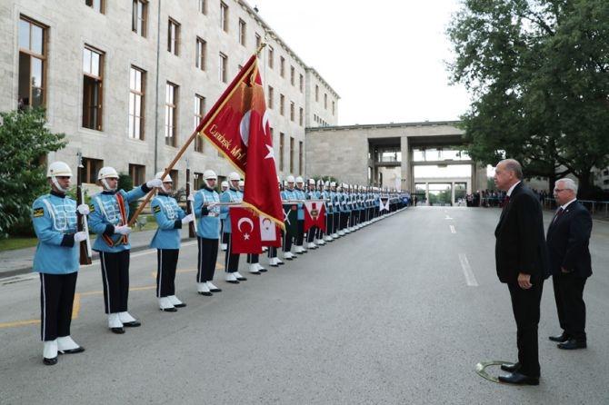 Cumhurbaşkanı Erdoğan, TBMM Genel Kurulu'nda yemin ederek göreve başladı galerisi resim 7