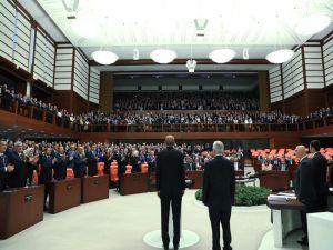 Cumhurbaşkanı Erdoğan, TBMM Genel Kurulu'nda yemin ederek göreve başladı