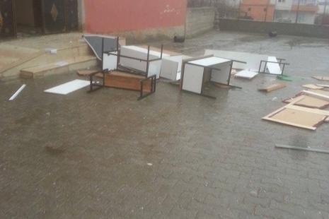 Okula daldı ne varsa kırdı galerisi resim 5