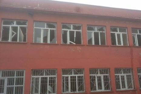 Okula daldı ne varsa kırdı galerisi resim 8
