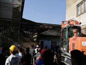 Van Peynirciler Çarsısı'nda çökme: Bir ölü 4 yaralı